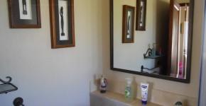 En-suite bathroom in standard room - main house